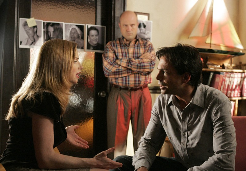 Jaime Ray Newman e Richard Grieco in una scena dell'episodio 'Il male del presidente' di Veronica Mars