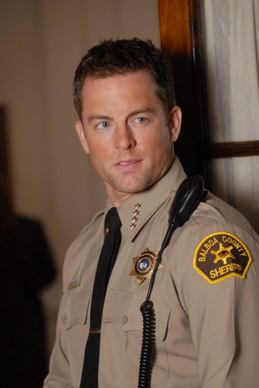 Michael Muhney (Sceriffo Don Lamb) nell'episodio 'L'altra faccia dell'amore' di Veronica Mars