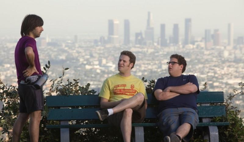 Jason Schwartzman, Seth Rogen e Jonah Hill in un'immagine del film Funny People