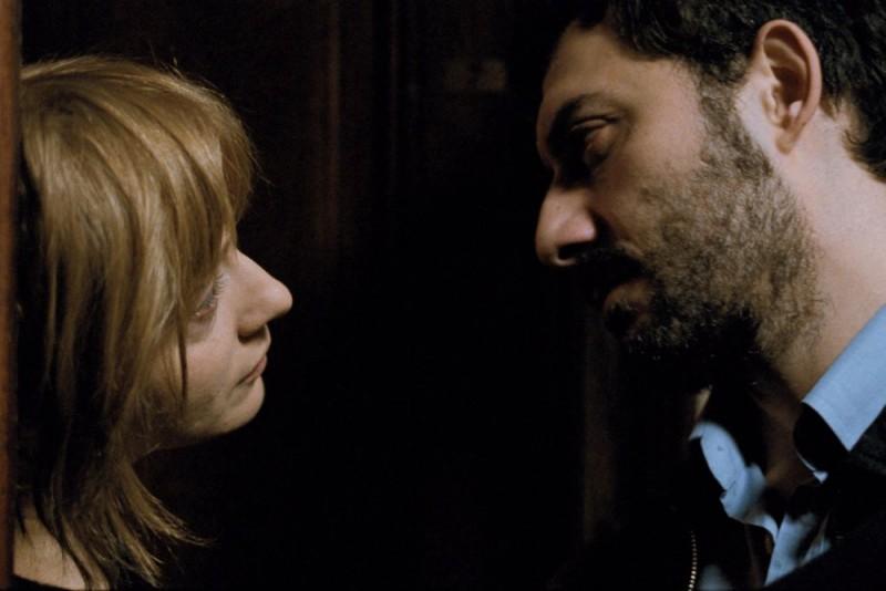Filippo Timi e Kseniya Rappoport in una scena del film La doppia ora, di Giuseppe Capotondi