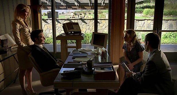 Anna Camp, Michael McMillian, Anna Paquin e Christopher Gartin in una scena dell'episodio 'Hard-Harted Hannah' della serie tv True Blood