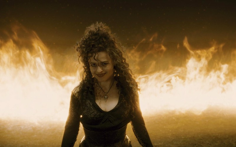 Il ghigno diabolico di Bellatrix (Helena Bonham Carter) in una scena del film Harry Potter and the Half-Blood Prince