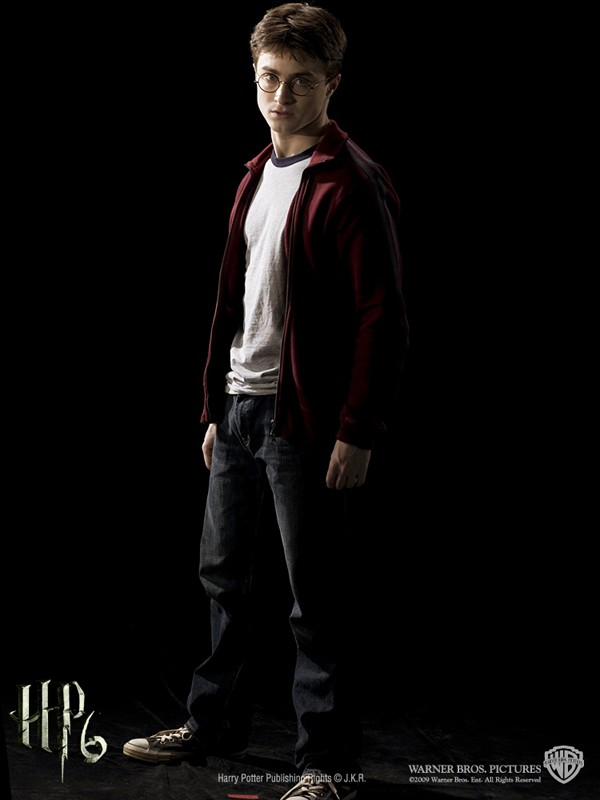 Un'immagine promo di Harry Potter(Daniel Radcliffe) per il film 'Harry Potter and the Half-Blood Prince'