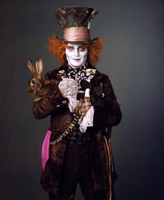 Johnny Depp, Cappellaio Matto in Alice in Wonderland di Tim Burton
