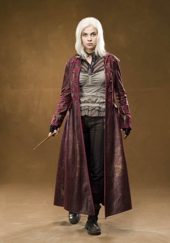 Natalia Tena con i capelli bianche in un'immagine promo del film Harry Potter e l'Ordine della Fenice