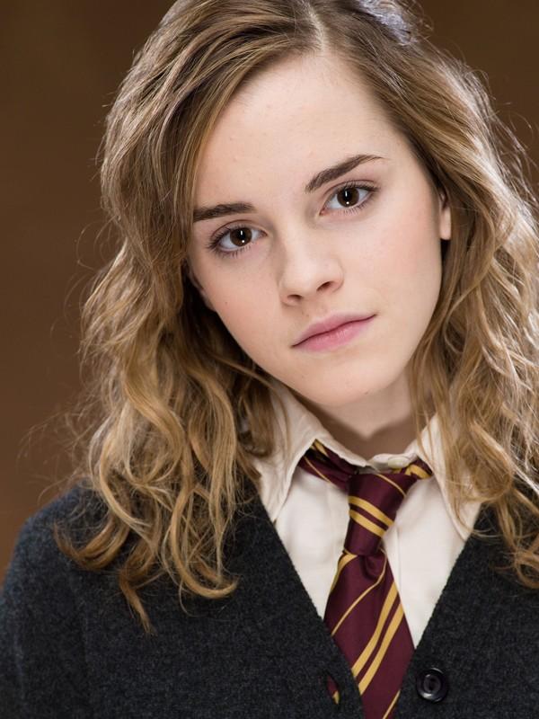 Un primo piano della giovane attrice Emma Watson per il film 'Harry Potter e l'Ordine della Fenice'