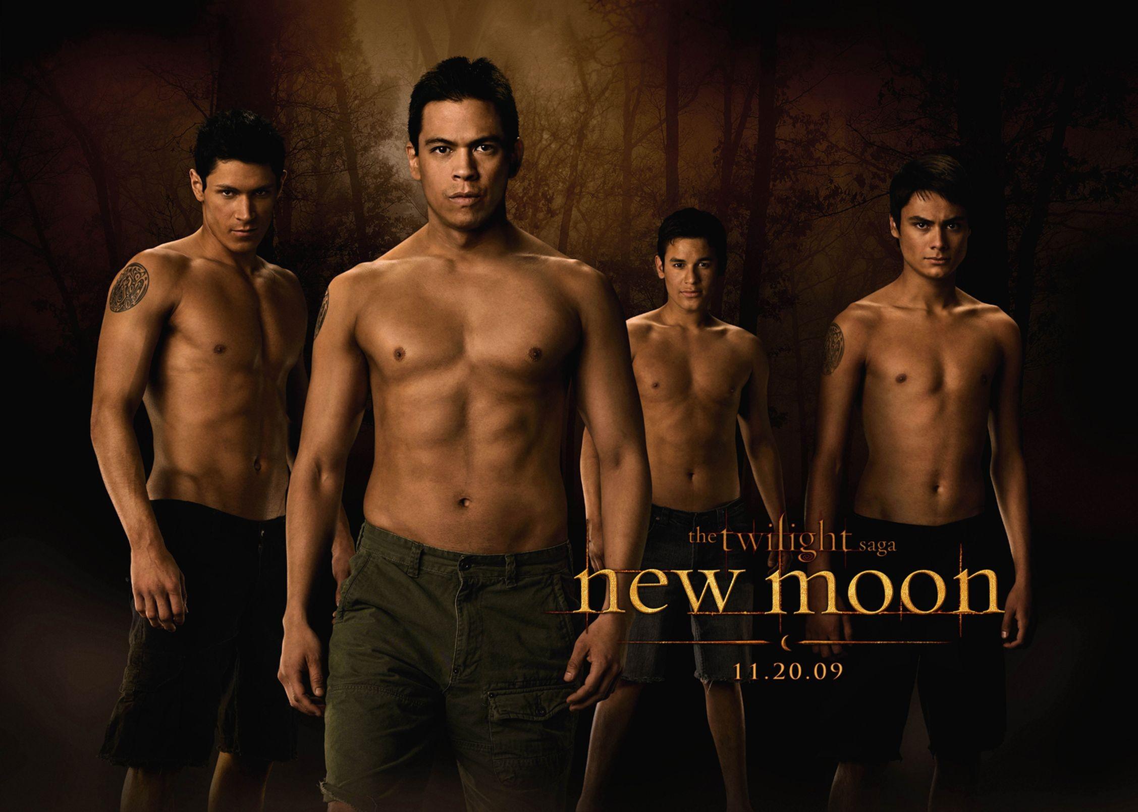 Un wallpaper dei licantropi di New Moon: Chaske Spencer, Alex Meraz, Kiowa Gordon e Bronson Pelletier