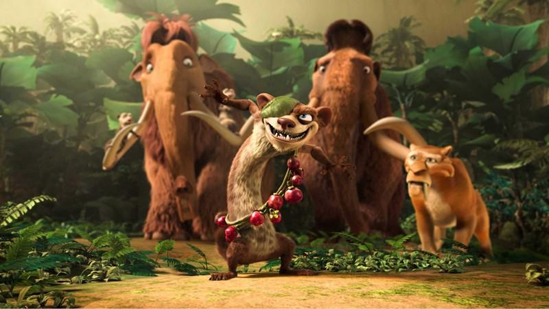 Elly, Manny, Buck e Diego in una scena del film 'L'era glaciale 3 - L'alba dei dinosauri'