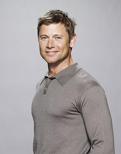 Grant Show è James nella serie Accidentally On Purpose