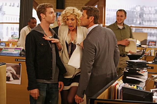 Grant Show, Jenna Elfman e Jon Foster in una scena della serie Accidentally on Purpose