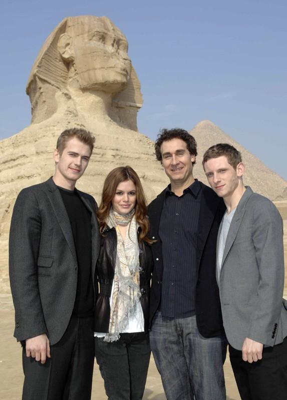 Hayden Christensen, Rachel Bilson, Doug Liman e Jamie Bell sul set, in Egitto, per il film Jumper - Senza confini