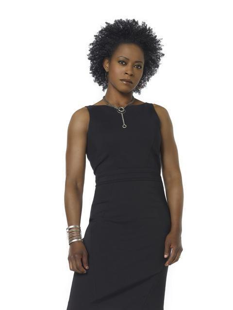 Karen LeBlanc in una immagine promozionale della serie Defying Gravity