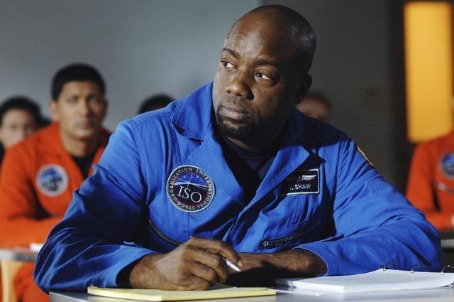 Malik Yoba nell'episodio Threshold di Defying Gravity