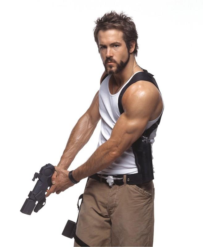 Ryan Reynolds in una foto promozionale per Blade: Trinity