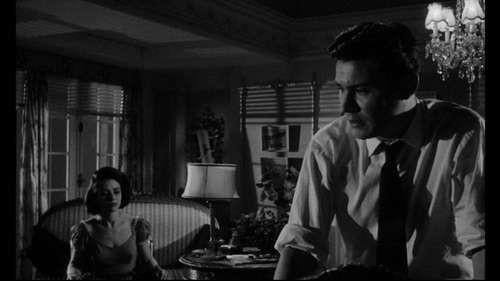 Susan Strasberg con Ronald Lewis in una scena de La casa del terrore (1961)