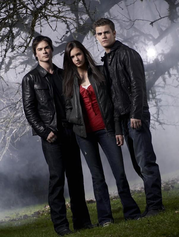 Una foto promozionale del trio protagonista della serie The Vampire Diaries