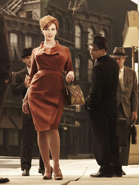 Una foto promozionale di Christina Hendricks per la stagione 3 di Mad Men