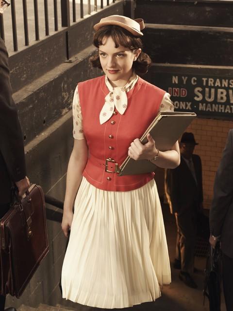 Una immagine promozionale di Elisabeth Moss per la stagione 3 di Mad Men