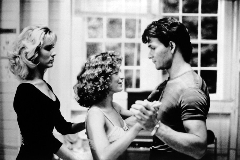 Cynthia Rhodes, Jennifer Grey e Patrick Swayze in una scena del film Dirty Dancing