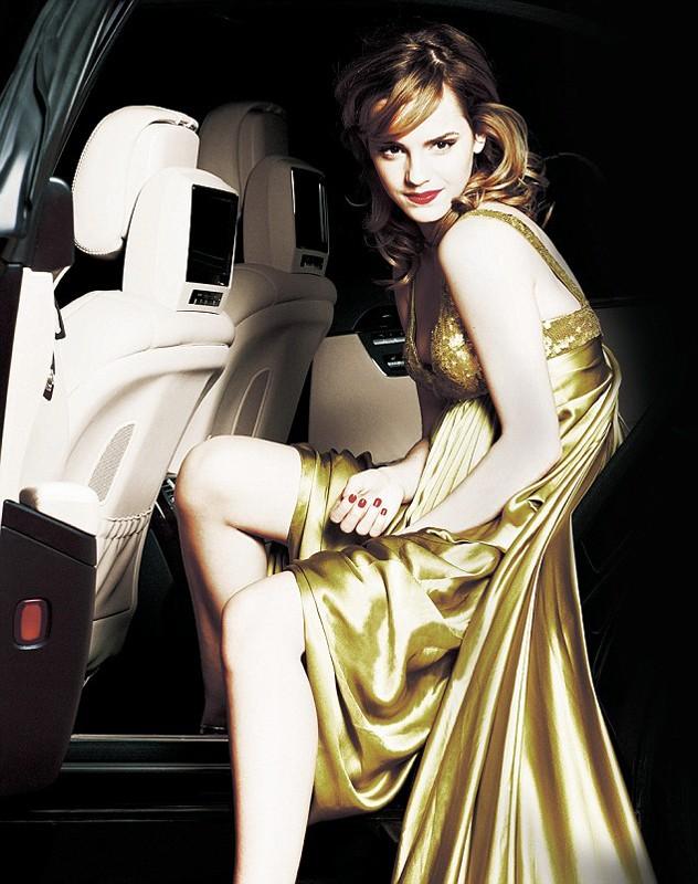 Emma Watson in abito elegante per un photoshoot