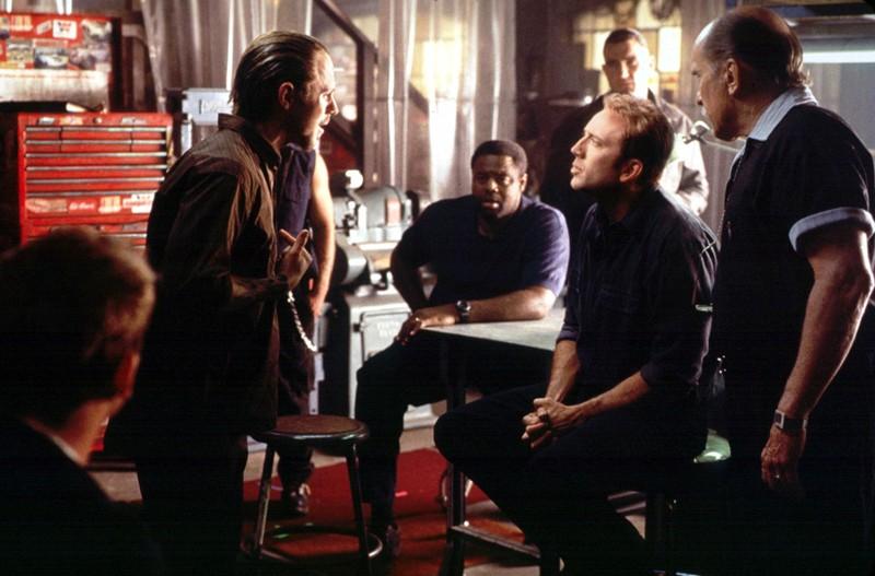 Giovanni Ribisi, Nicolas Cage e Will Patton in una scena del film Gone in 60 Seconds
