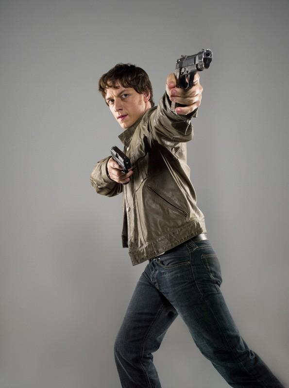 James McAvoy in una foto promozionale per il film Wanted