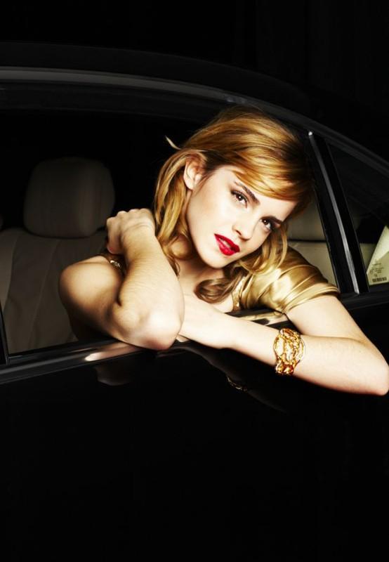 Un bel primo piano della giovane Emma Watson per un servizio fotografico