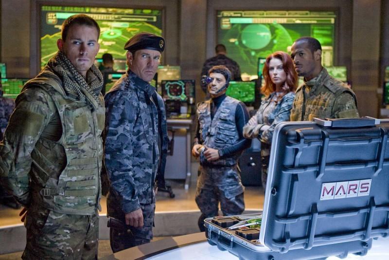 Channing Tatum, Dennis Quaid, Said Taghmaoui, Rachel Nichols e Marlon Wayans in una scena del film G.I.Joe: La nascita dei Cobra