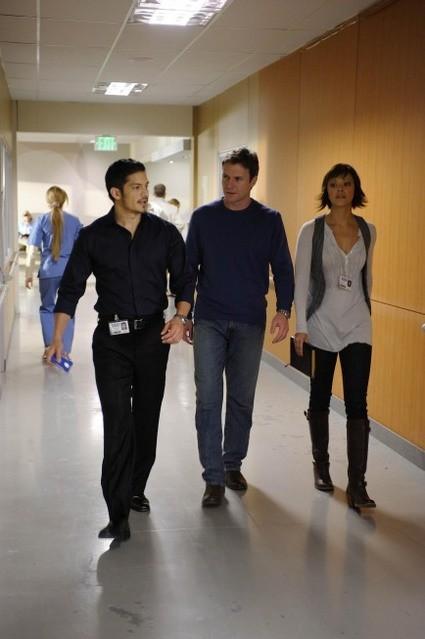 Chris Vance, Nicholas Gonzalez e Marisa Ramirez in una scena dell'episodio Life and Limb di Mental