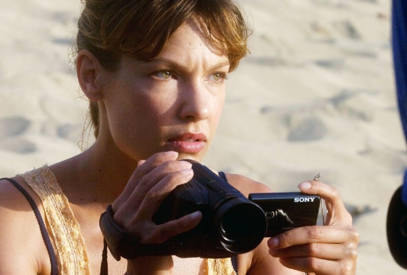 Kiele Sanchez in una scena del film A Perfect Getaway