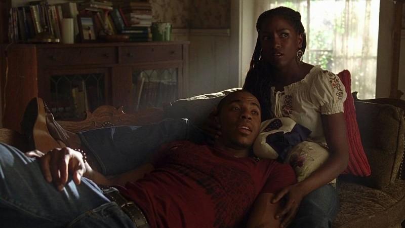Rutina Wesley e Mehcad Brooks in una scena dell'episodio 'Release Me' della serie tv True Blood