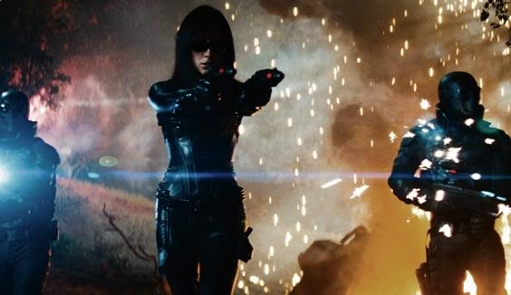 Sienna Miller è La Baronessa nel film G.I.Joe: La nascita dei Cobra