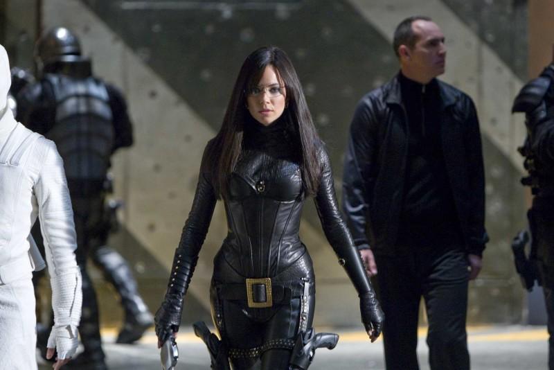 Sienna Miller in una scena del film G.I.Joe: La nascita dei Cobra