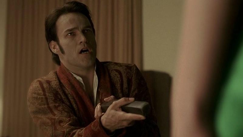 Stephen Moyer in una sequenza dell'episodio 'Release Me' della serie tv True Blood