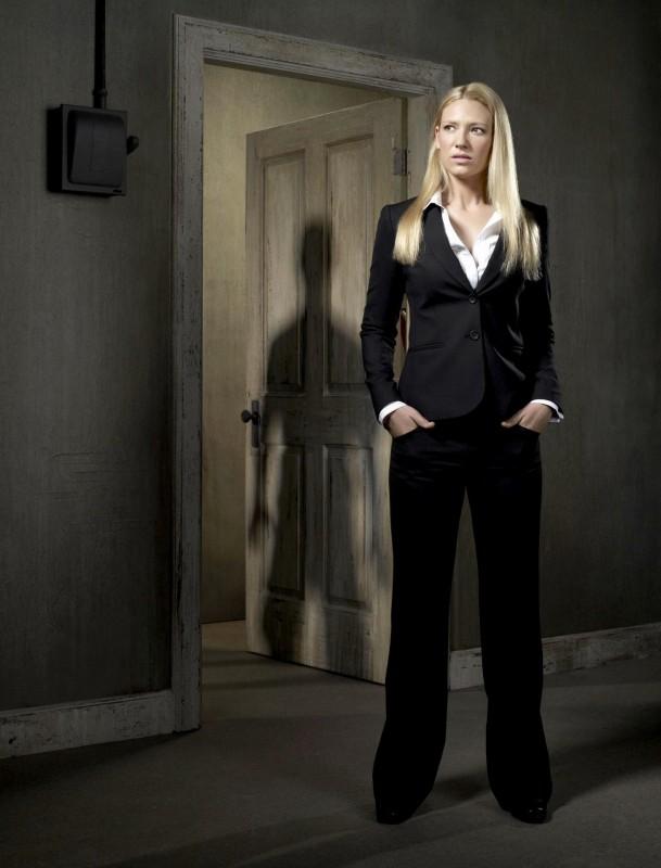 Anna Torv è Olivia Dunham in una foto promozionale della stagione 2 di Fringe
