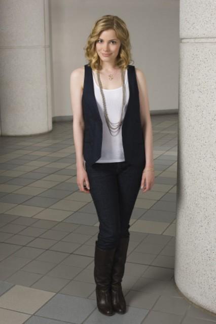 Gillian Jacobs in una foto promozionale della serie Community