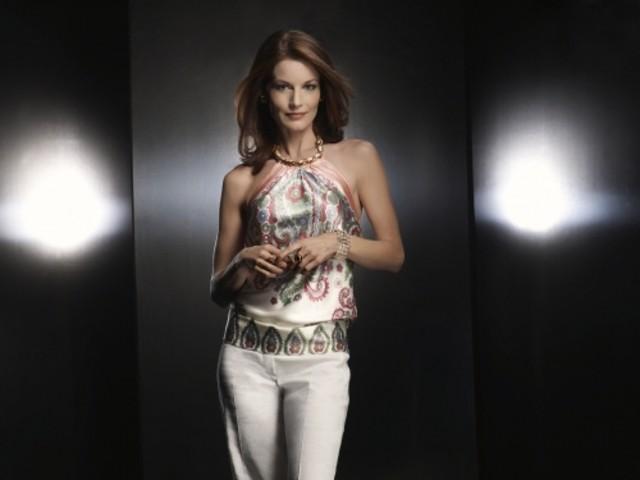 Laura Leighton è Sydney in una foto promozionale di Melrose Place