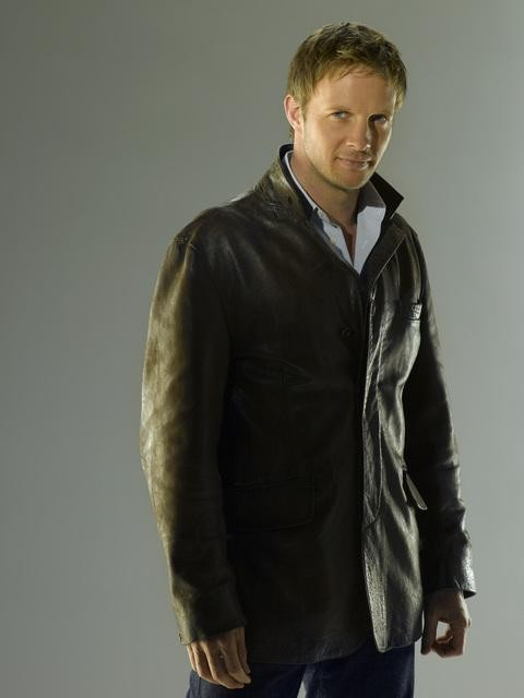 Rupert Penry-Jones in una foto promozionale di The Forgotten