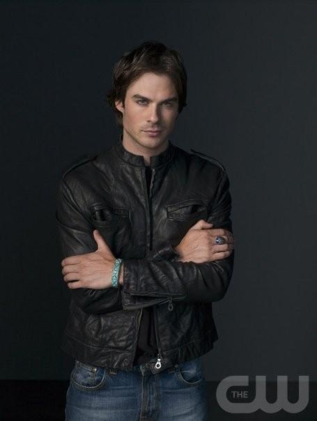 Ian Somerhalder è Damon in una foto promozionale di The Vampire Diaries