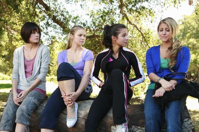 Ayla Kell, Chelsea Hobbs, Josie Loren e Cassie Scerbo nell'episodio Where's Kaylie? di Make It Or Break It
