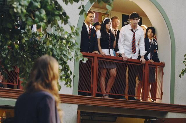 Ethan Peck in una scena dell'episodio Don't Leave Me This Way di 10 Things I Hate About You