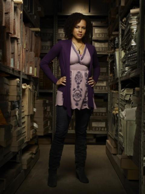 Genelle Williams in una foto promozionale di Warehouse 13