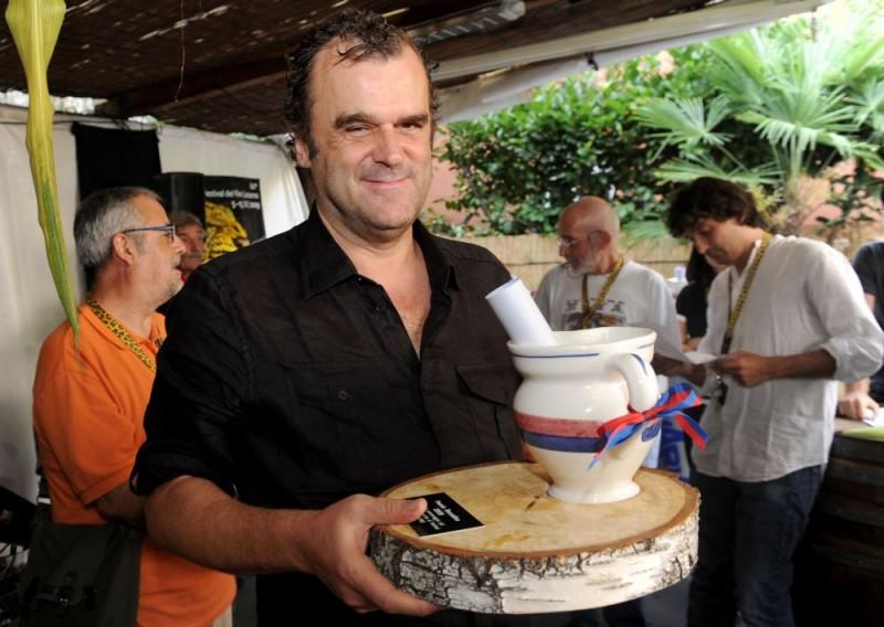 Premio Boccalino D' Oro 2009, premio della critica indipendente, con Pippo Delbono premiato con il premio al Personaggio piu significativo presente al Festival di Locarno del 2009