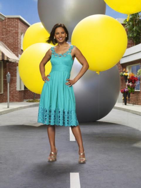 Salli Richardson in una foto promozionale della stagione 3 della serie televisiva Eureka
