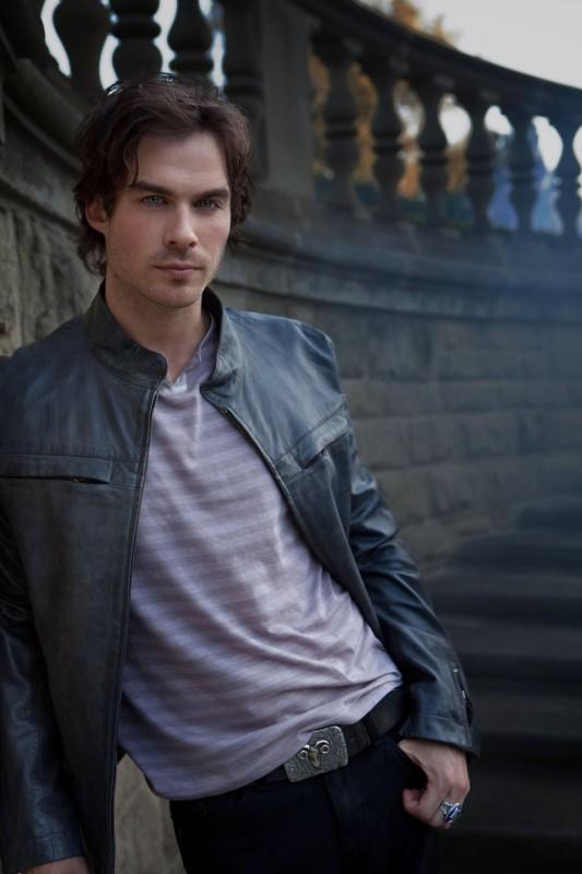 Ian Somerhalder è Damon in una foto promozionale della nuova serie CW The Vampire Diaries