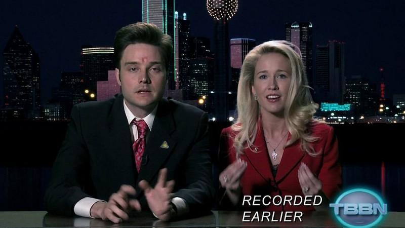 Il reverendo Newlin (Michael McMillian) e sua moglie Sarah (Anna Camp) in una scena dell'episodio 'I Will Rise Up' della serie tv True Blood