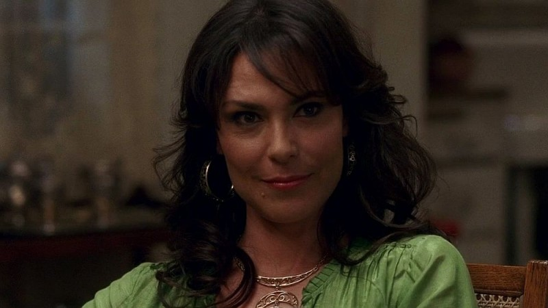 Un primo piano della diabolica Maryann (Michelle Forbes) in una scena dell'episodio 'I Will Rise Up' della serie tv True Blood