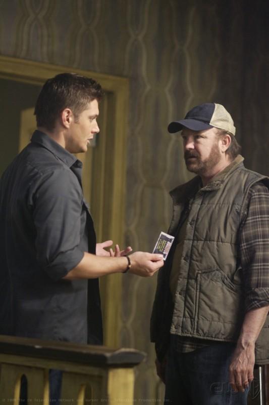 Jensen Ackles e Jim Beaver nella premiere della stagione 5 di Supernatural