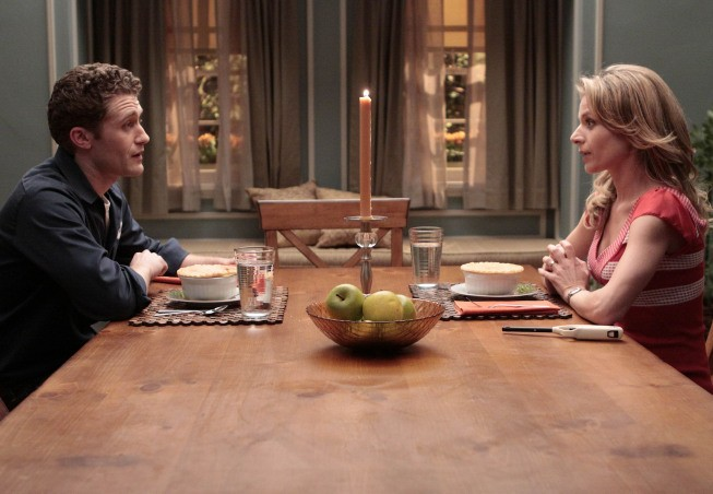 Matthew Morrison e Jessalyn Gilsig nell'episodio Showmance della serie Glee