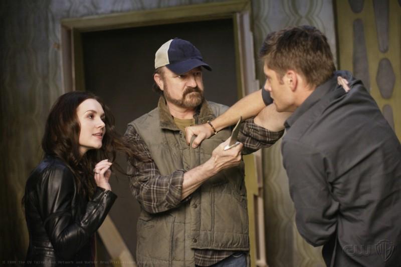 Rachel Miner, Jensen Ackles e Jim Beaver in una scena dell'episodio Sympathy for the Devil di Supernatural